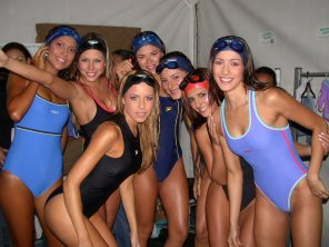 amateur photo College swim team