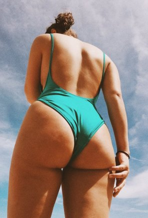 amateur photo BootyOnTheBeach