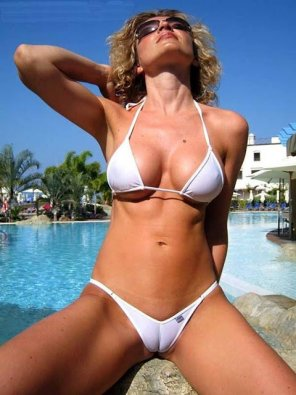 amateur photo Cameltoe milf