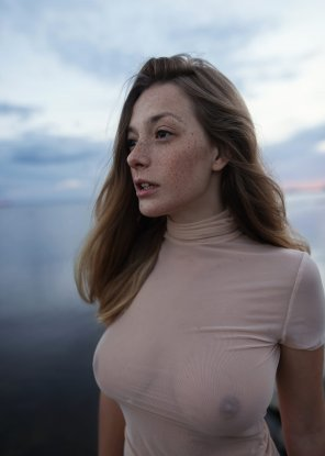 amateur photo Olga in a very thin shirt