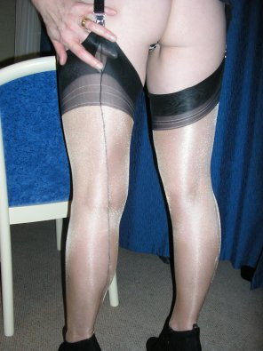 amateur photo Hot mom in stockings