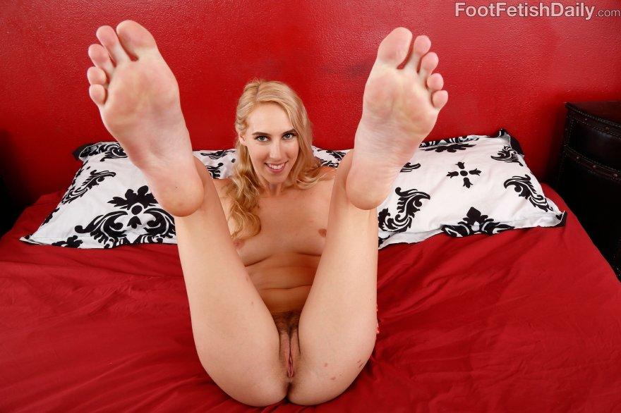 Cadence Lux Feet