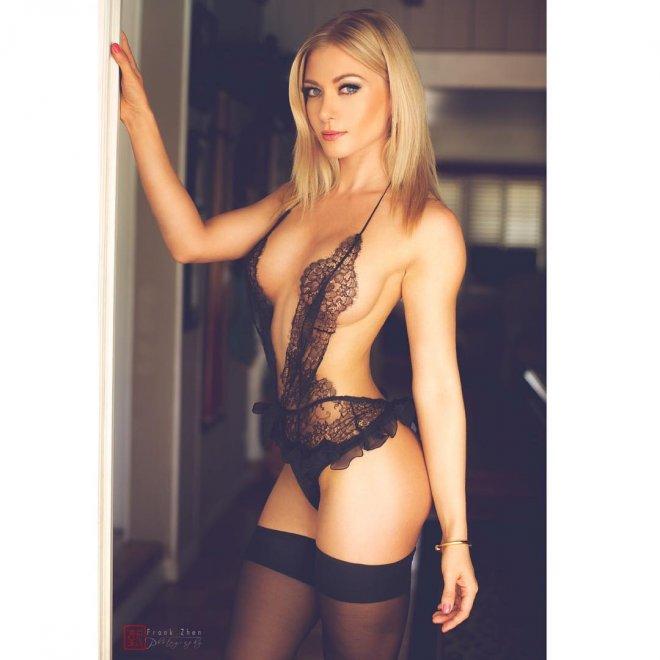 Elena Porn Photo