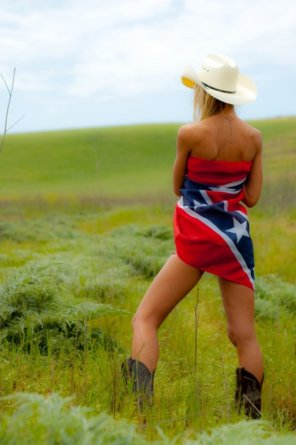 amateur photo Confederate cutie