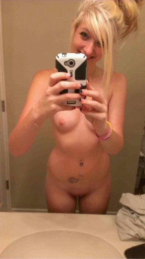 amateur photo Amateur Blonde Mirror Selfie