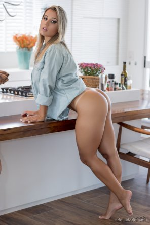 amateur photo I'd eat whatever she's cooking