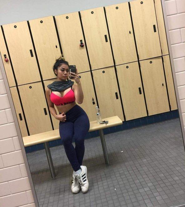 Gym babe Porn Photo