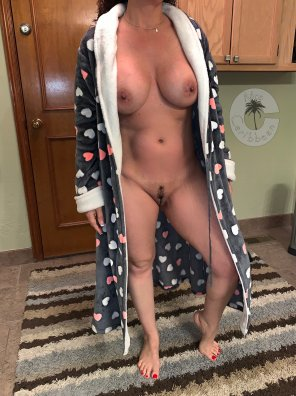 """amateur photo I love my robe... no matter where you look, it has a """"heart on"""" ;)"""