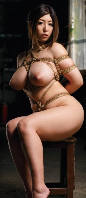 amateur photo Big tits and rope