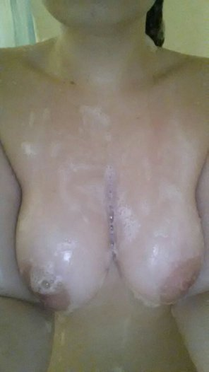 amateur photo Soapy shower tits