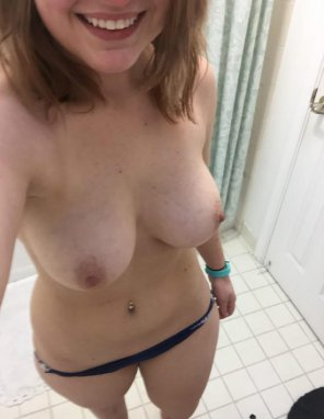 amateur photo It's my day off. Come play in favor of me? SC@ babe_sarah22
