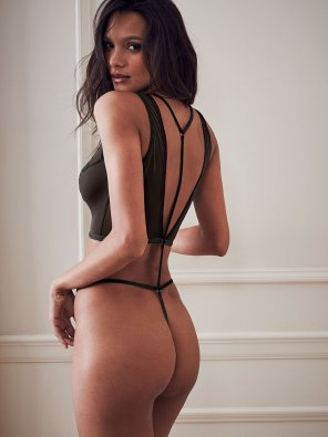 amateur photo Lais Ribeiro