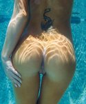amateur photo Underwater butt hole, source pic HQ