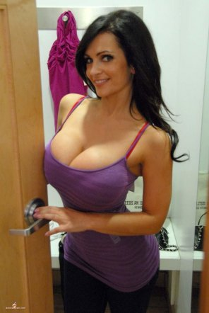 amateur photo Purple top