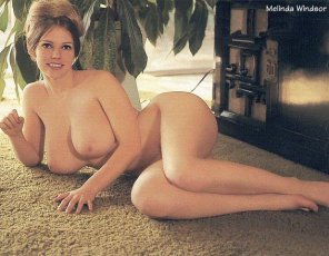 amateur photo Melinda on carpet