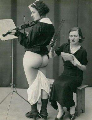 amateur photo 20's Music School