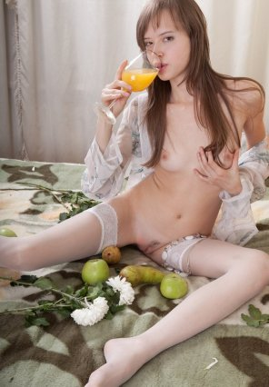 amateur photo Juice drinking hottie