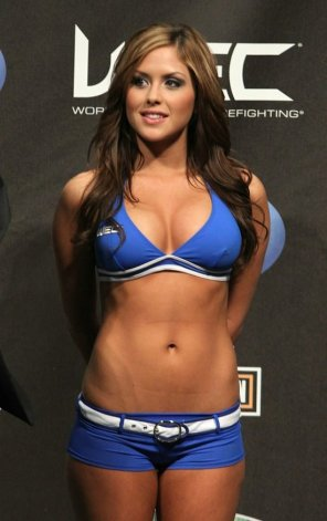 amateur photo UFC ring girl