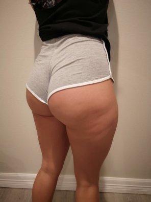 "amateur photo She goes by ""Peach_Legend"""