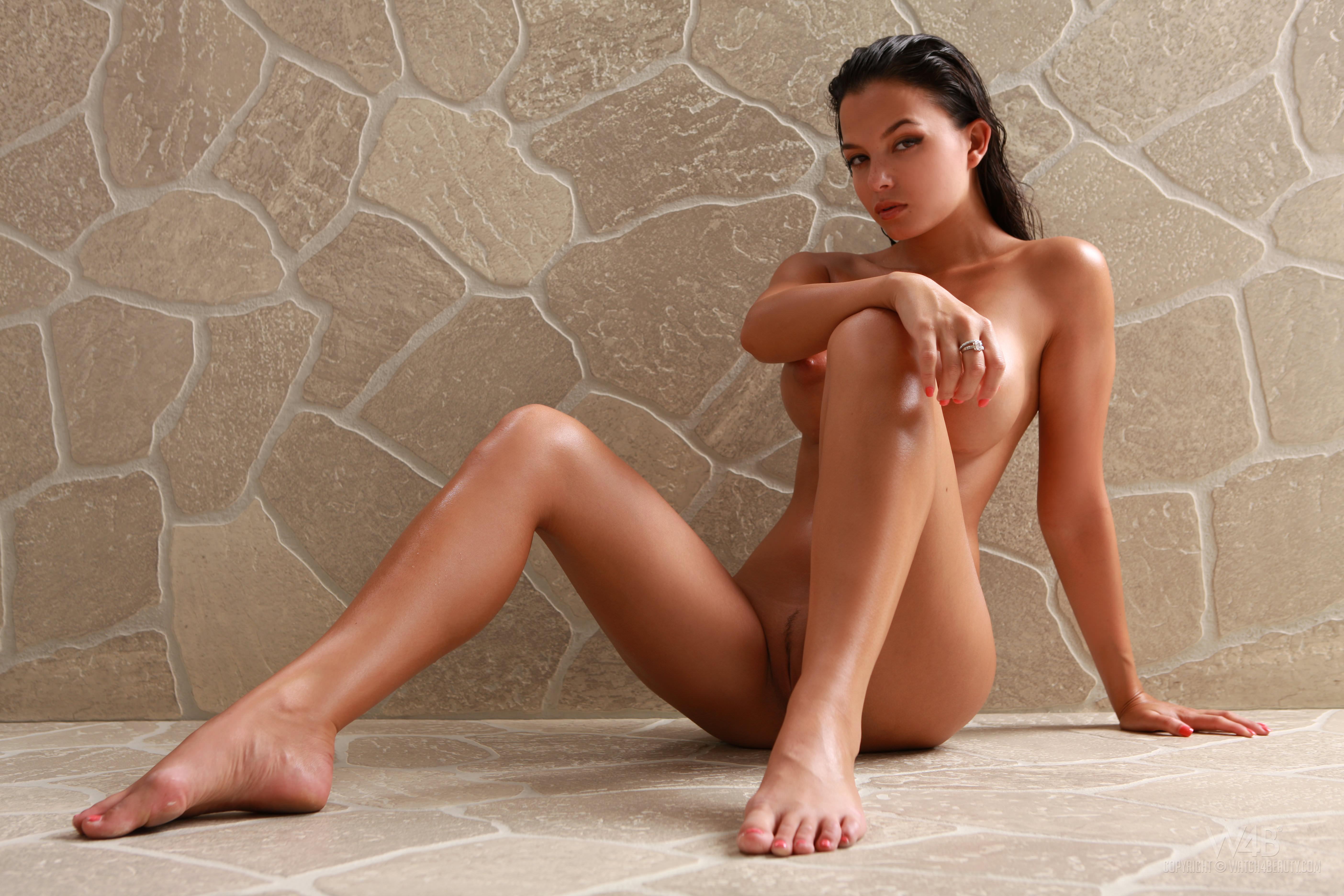 sasha cane nackt im freien