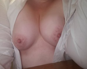 amateur photo [f] no bra today 😘