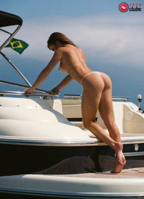 amateur photo Brazilian babe on yacht