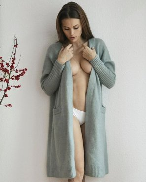 amateur photo Sweater Robe
