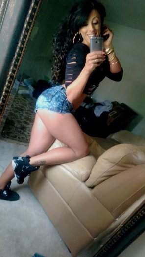 amateur photo Latina hottie