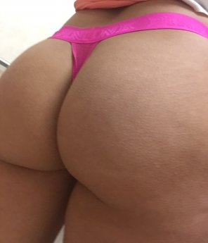 amateur photo [F] TOTD thong of the day a PINK vs thong, enjoy!!!