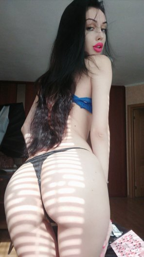 amateur photo White skin and black hair