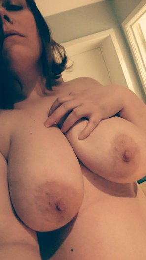 amateur photo Giant Titties