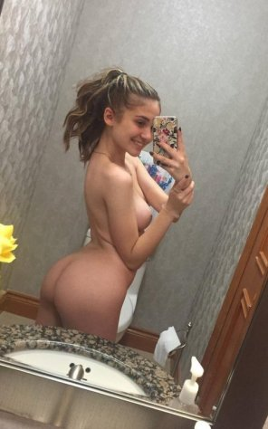 amateur photo Happy hump day - Mller.ruth9