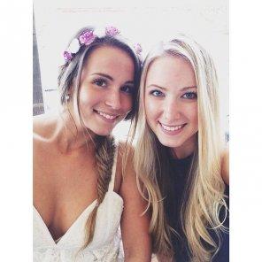 amateur photo Blonde & Brunette.