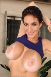 amateur photo Charlee's big tits