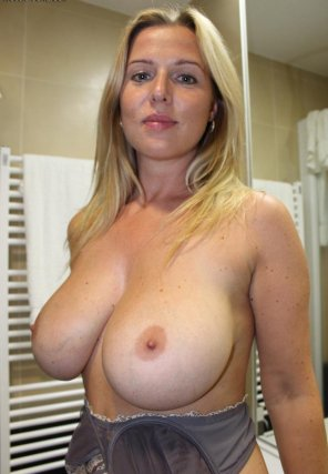 amateur photo Amateur woman with huge tits