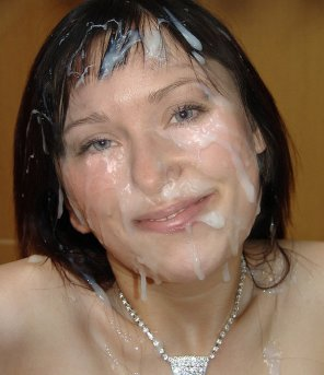 amateur photo Sweet Brunette Big Facial