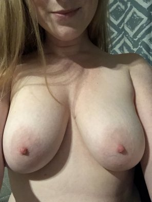 amateur photo No costume, just ghost nipples 👻 [f]