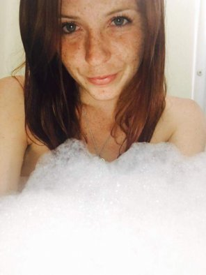 amateur photo Bubble bath.