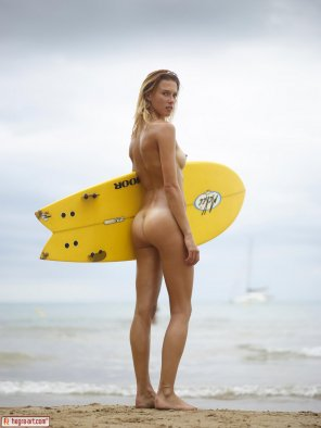 amateur photo Patti Nude Surfing
