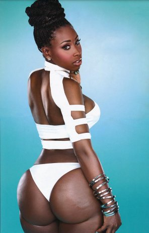 amateur photo Bria Myles