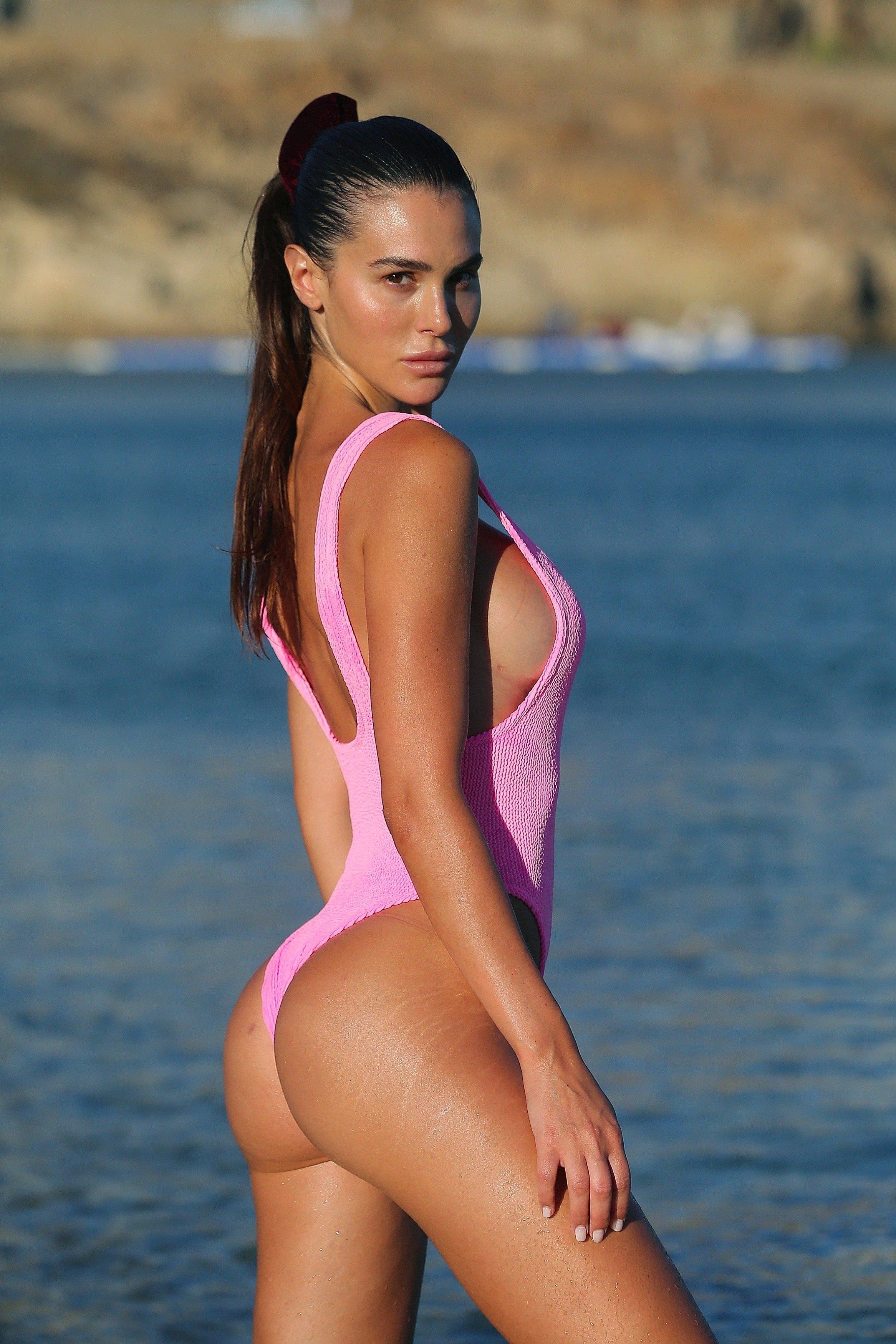Pussy Silvia Caruso nudes (65 photo), Sexy, Sideboobs, Feet, in bikini 2019