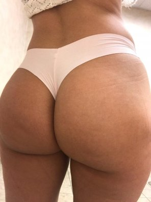 amateur photo [F] Thong of the day!!! Celebrating hump day with a VS Cheekster thong😍