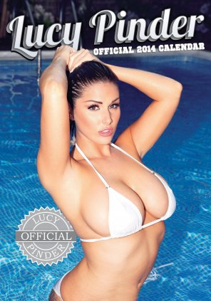 amateur photo Lucy Pinder in the pool