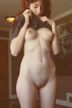 amateur photo sweet shaved girl
