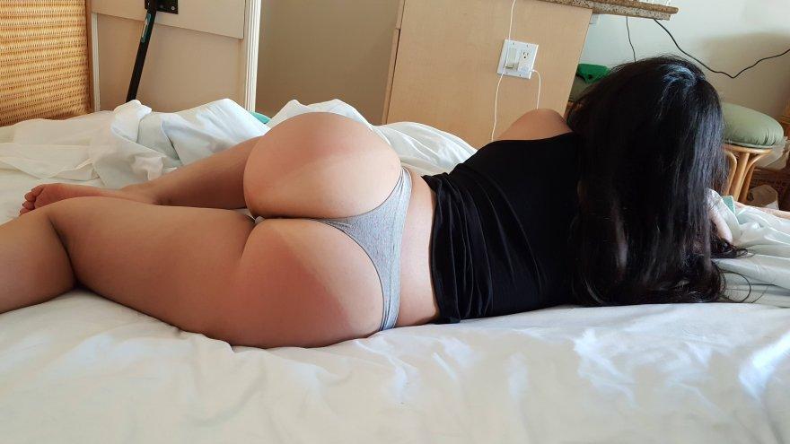 Slight sunburn Porn Photo
