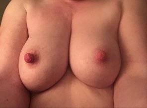 amateur photo Thick nipples