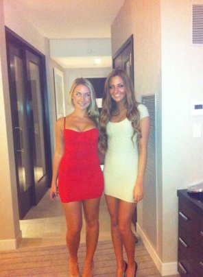 amateur photo Blonde or Brunette. Always a tough decision
