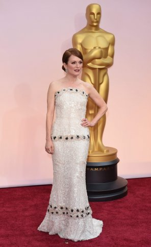 amateur photo Julianne Moore at the Academy Awards