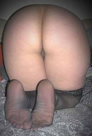 amateur photo [40F] Perfect booty to watch jiggle while pounding that pussy.