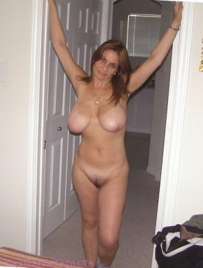 amateur photo Mommy with big tits
